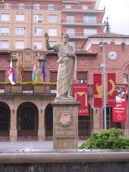 450px-Calahorra,_estatua_de_Quintiliano
